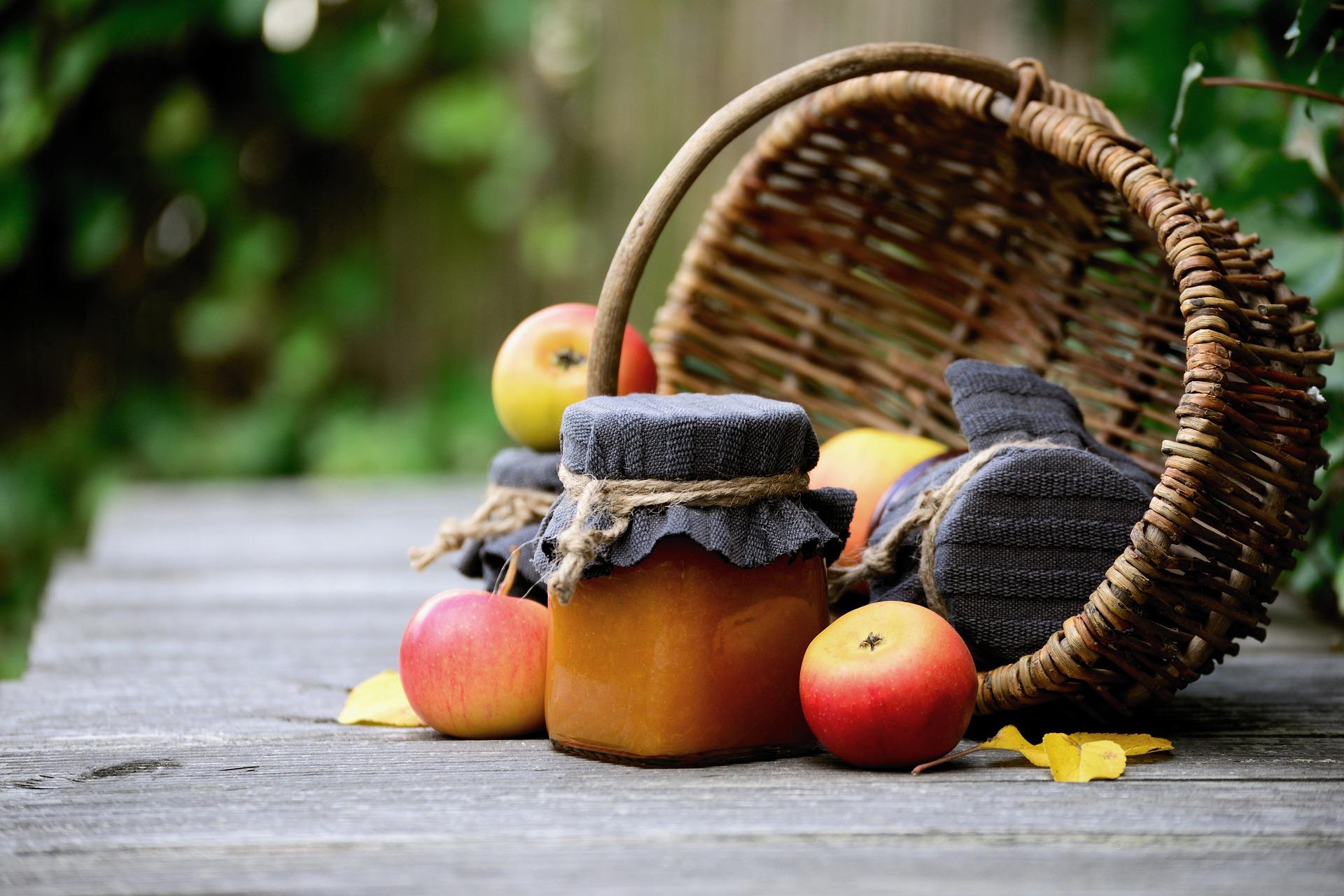 apple and chutney